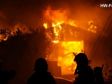 Grote-brand-in-loods-aan-Ambachtsweg-in-Hasselt-attachment