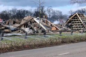 Grote-ravage-na-zeer-grote-brand-in-Oosterwolde-attachment